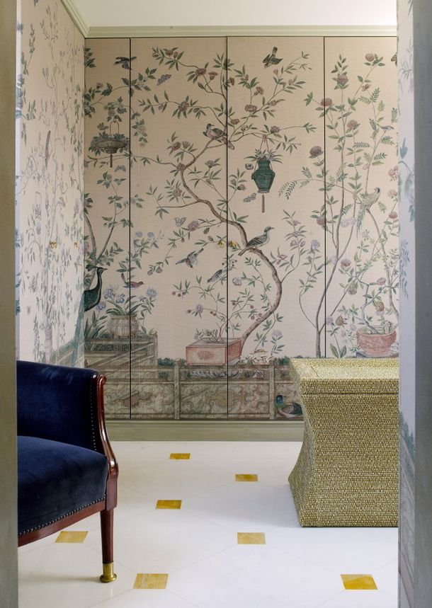 Beautiful chinoiseries wallpaper in paneling