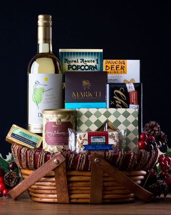 Italian Pinot Grigio Gift. Italy's Danzante is classic Pinot Grigio. It has a beautiful golden straw-color and intense aromas of fresh citrus and tropical ...