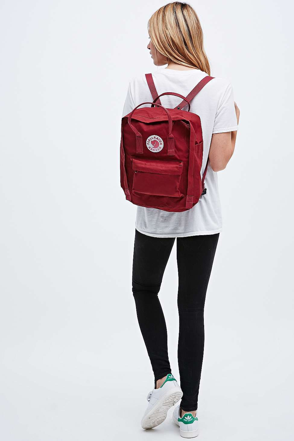 dae65b0d011 Fjallraven Kanken Classic Backpack in Ox Red - Urban Outfitters