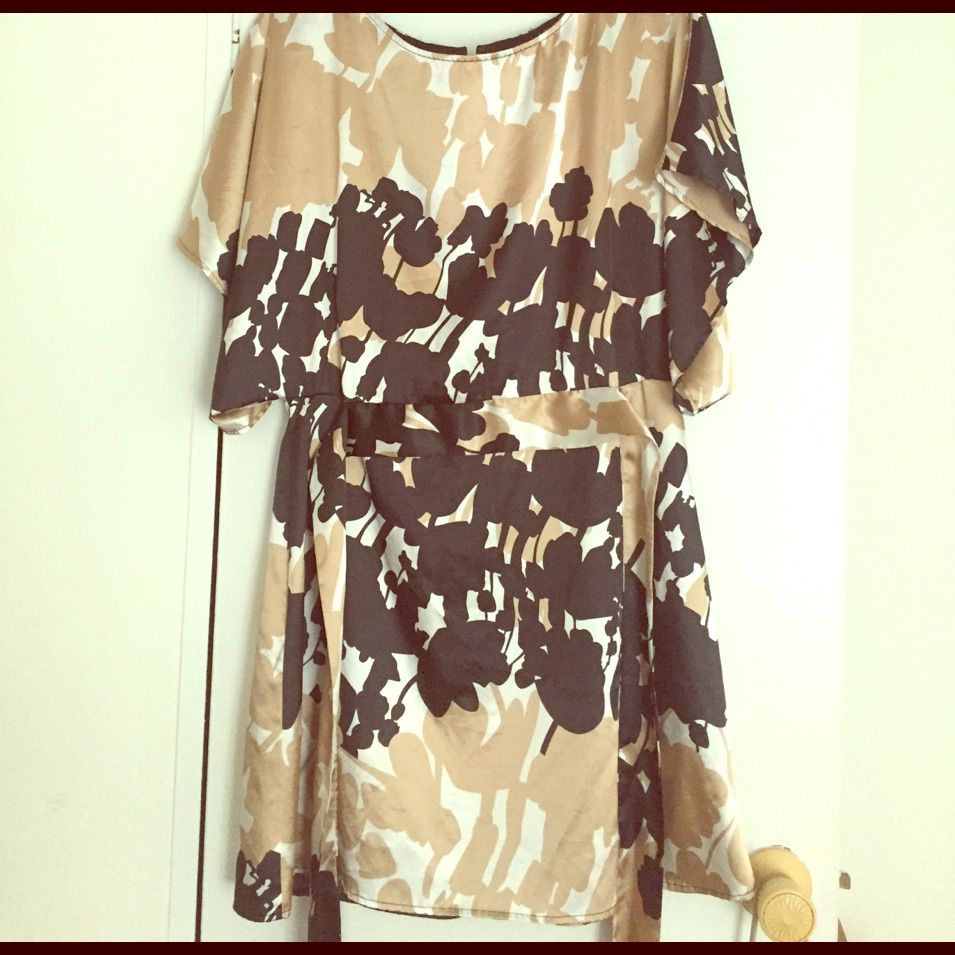 Gold and black satin feeling flowy kimono dress kimono dress