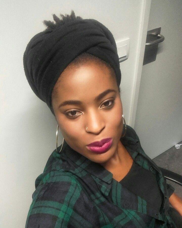 RDV au Marché de Noël africain ce samedi 19/12 de 10h à 19h. 18 rue des Terres au Curé, 75013 Paris Métro Porte d'Ivry-Ligne 7  #marchedenoel #Xmas #noel #event #designer #createurs #paris #london #weekend #fashion #mode #fetes #makeup #lipstick #ral #maclipstick #rebel #otsalyaconseil #marketing #salesforce