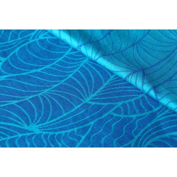 Yaro waves Poseidon with linen | Wrap de rêve | Pinterest