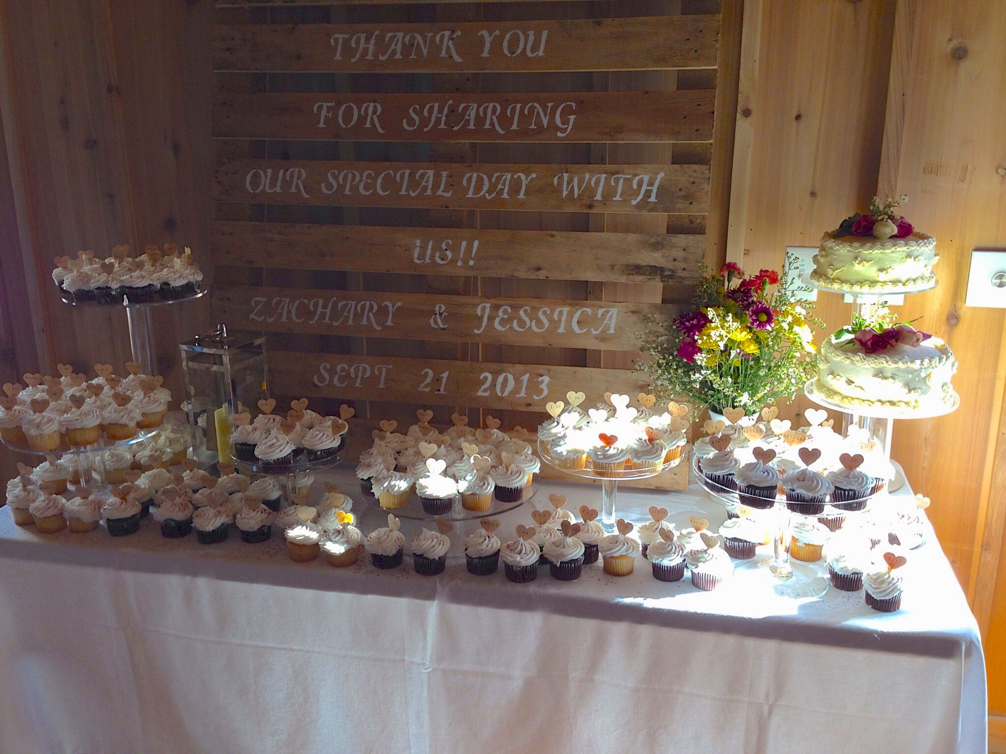 Crate behind cake stand rustic cakes wedding cupcakes ideas