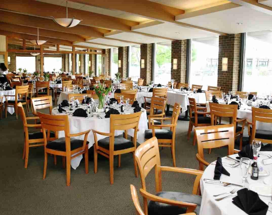 Milwaukee Yacht Club Premier Bride Yacht Club Wedding Milwaukee