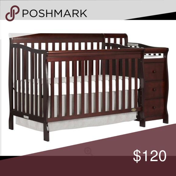 Convertible Crib And Changer Hello I Am Selling A Convertible Crib And Changer For 120 Or Best Offer Crib Frame In 2020 Cribs Convertible Crib Baby Cribs Convertible