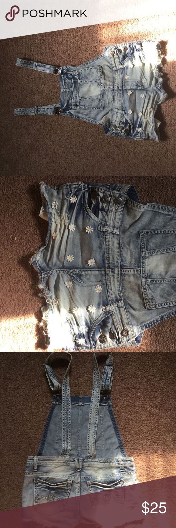 Shorts Very good condition, just wore twice. Too small for me Hot Kiss Shorts Jean Shorts