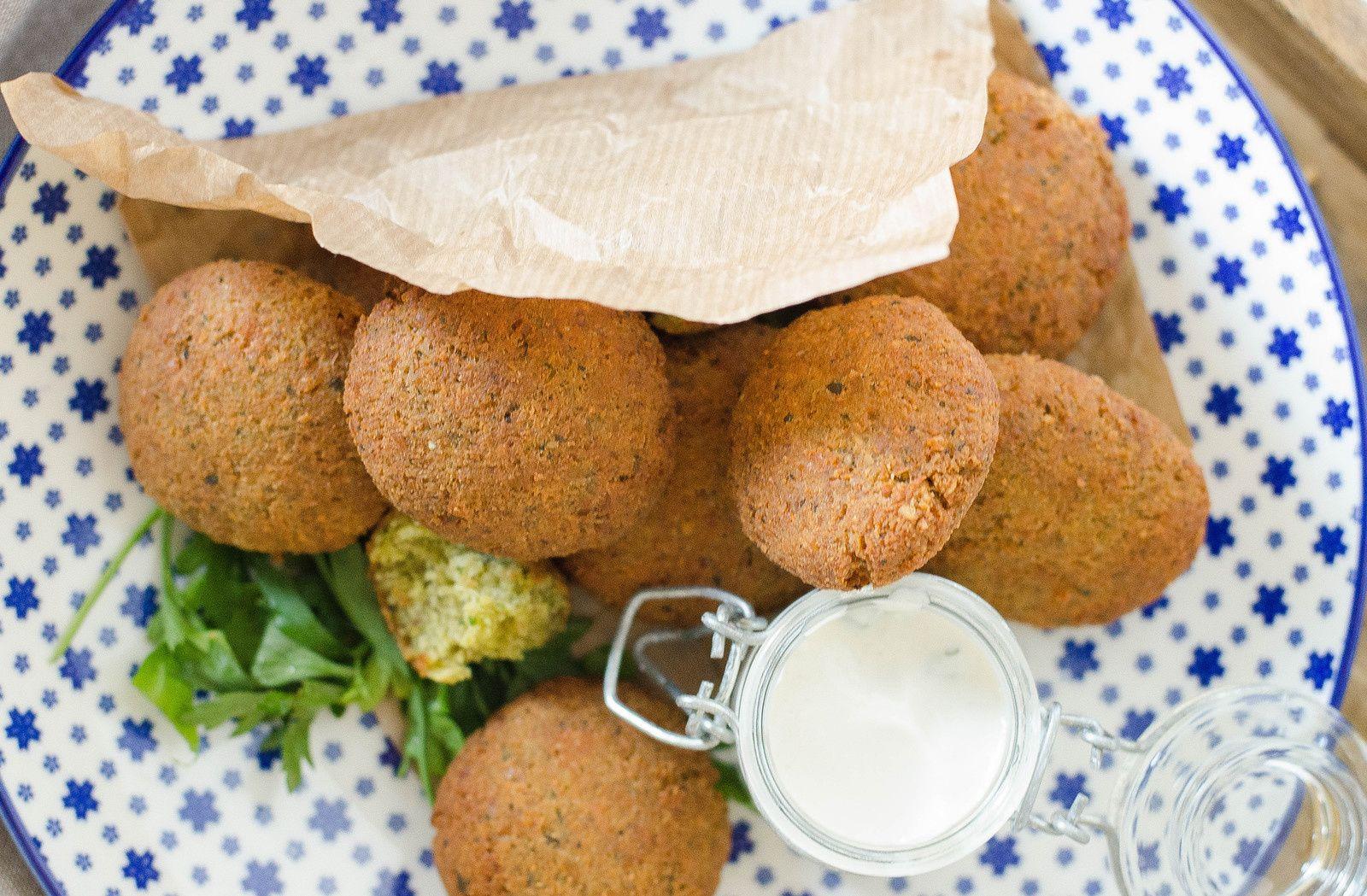 Falafels et sauce au tahin essayer recette cuisine libanaise et mezze - Recette cuisine libanaise mezze ...