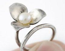 Anillo de plata flor, Perla y plata, Anillo de mujer, Anillo ajustable, Anillo flor, joyas de plata