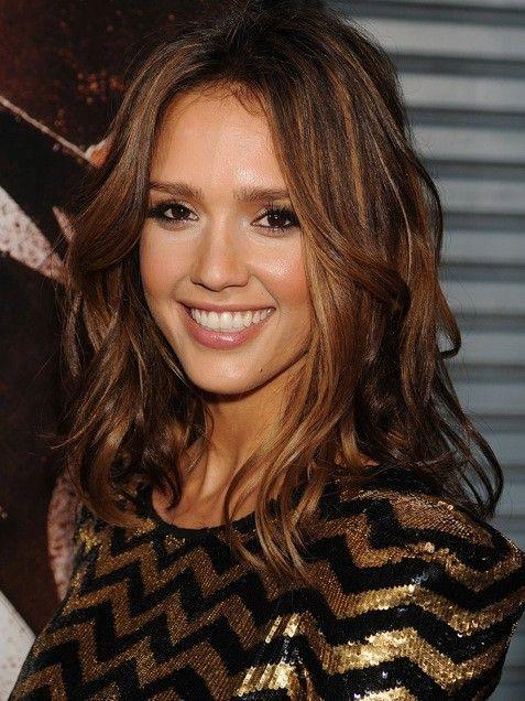 Jessica Alba Mid Length Layered Hair Hair Styles Jessica Alba Hair Hair Highlights