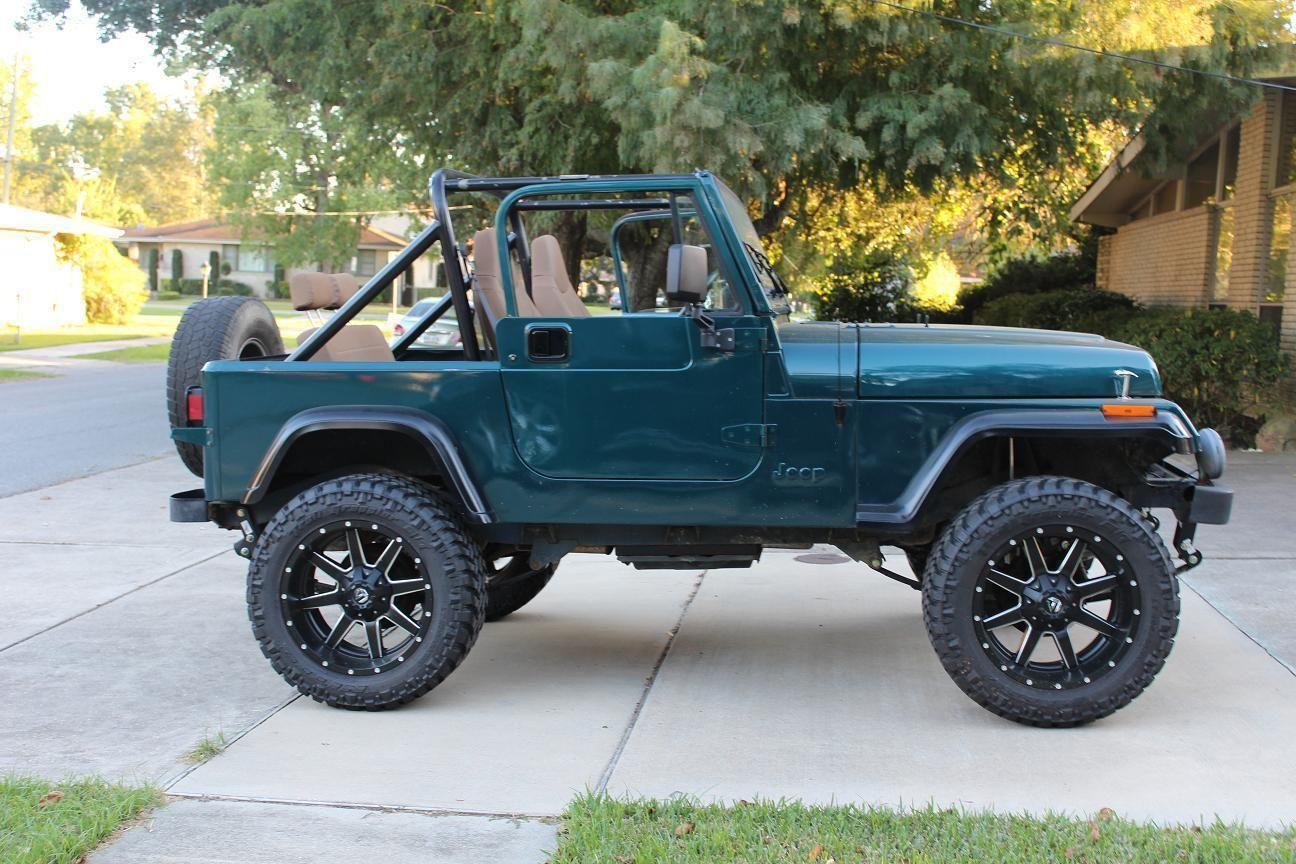 1989 Jeep Wrangler Sahara Sport 2 Door 4.2L 20″ Fuel