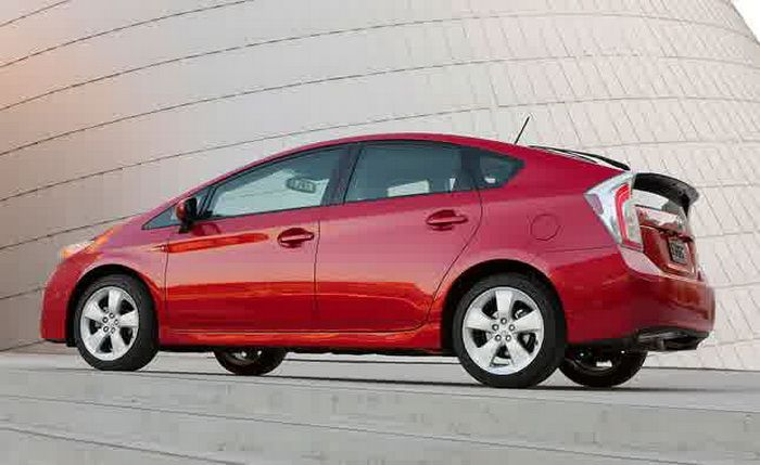 Toyota Prius 2016 Red Color