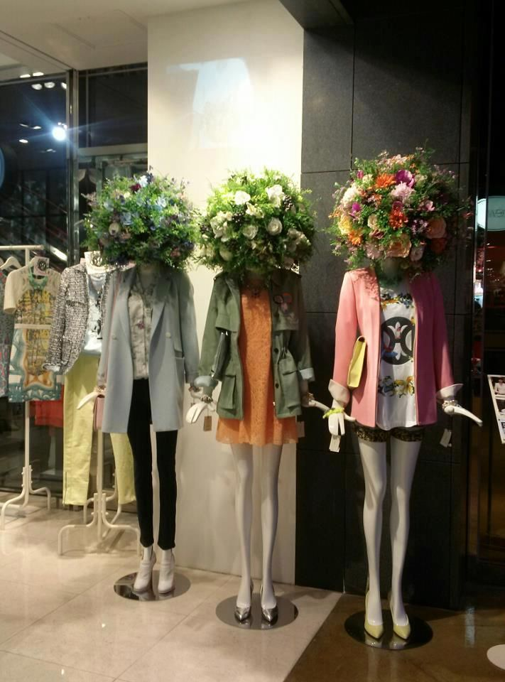 .Flowers heads - floral deco in fashion store Fantastic