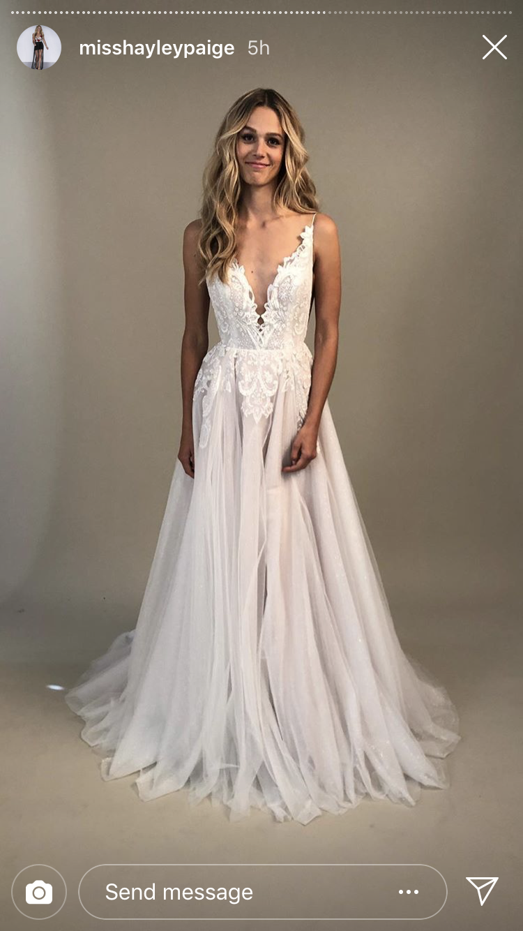 c4932e04002 Hayley Paige Spring 2019 Nash Gown representing vitality 😍😭 Wedding  Goals