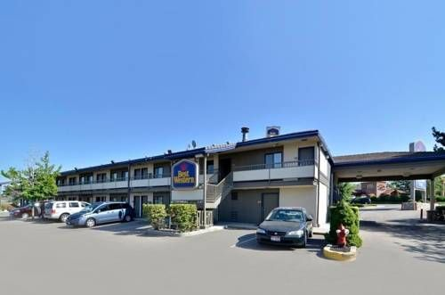 Best Western Airport Inn Boise Boise (Idaho) Located less than one mile from the Boise Airport, this hotel offers a free airport shuttle. The hotel also features an outdoor pool and rooms with a refrigerator and microwave.