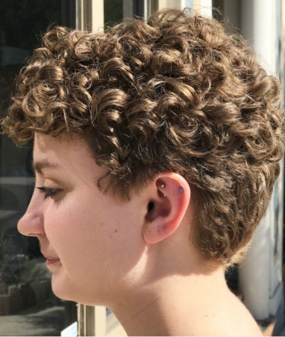Very short curly haircut | Short wavy hair, Short permed hair ...