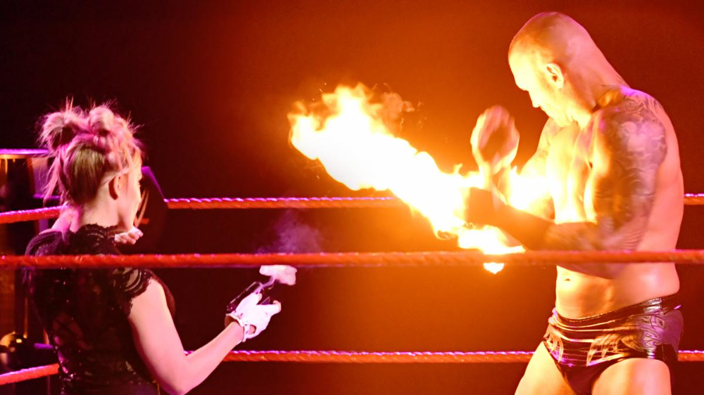 Raw Jan 11 2021 Results Alexa Bliss Delivers Fireball Finale To Randy Orton S Clash With Triple H In 2021 Wwe Divas Randy Orton Bliss