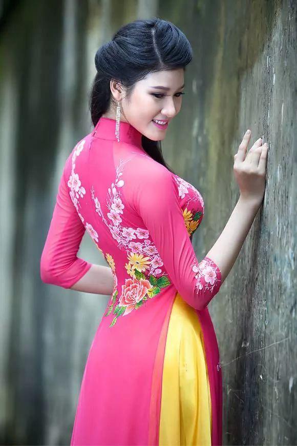 ปักพินโดย Rachmad qmad ใน Yem   เพศหญิง, เวียดนาม