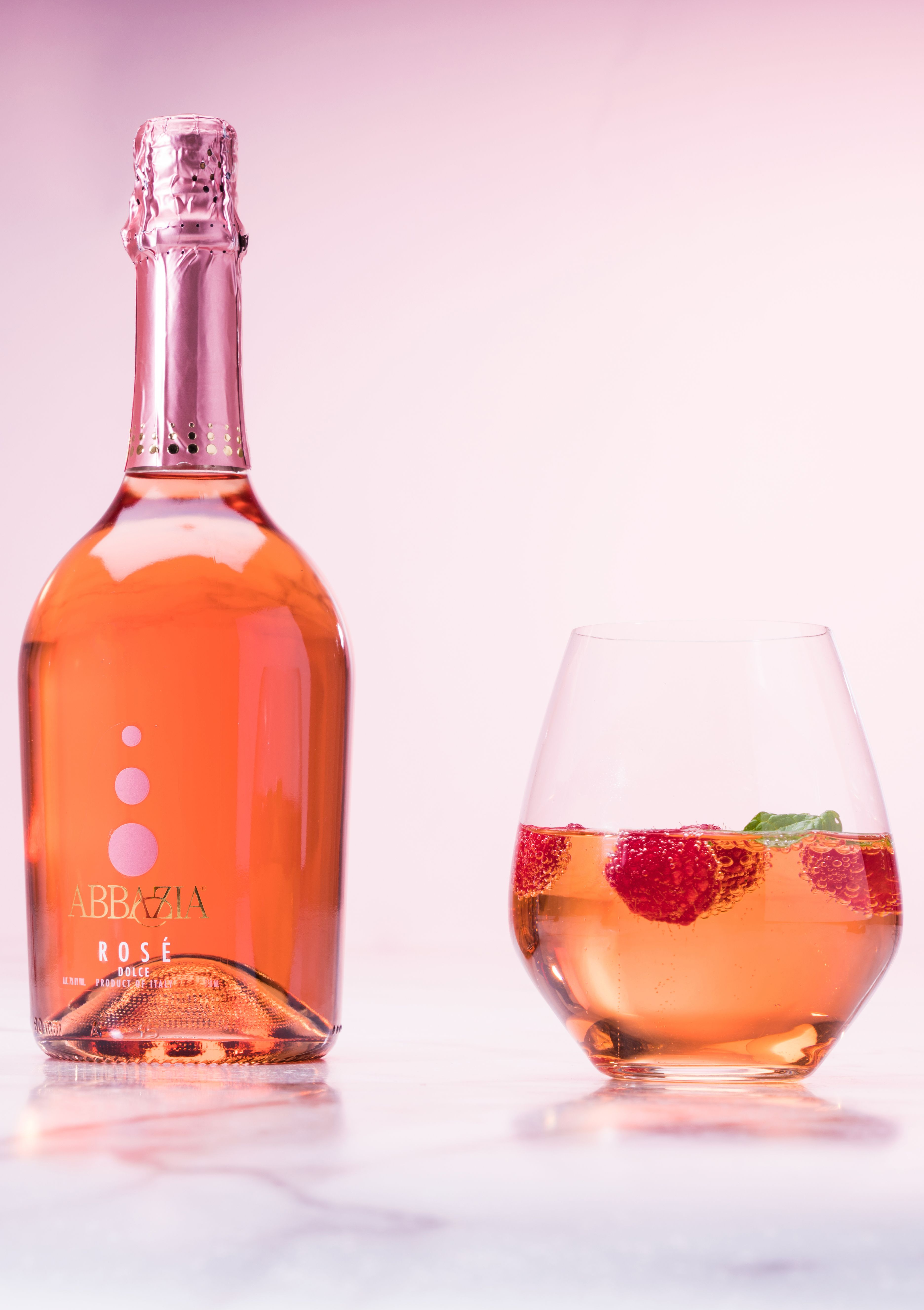 These Rose Cocktails From Martha Stewart Wine Co Are A Must For Your At Home Date Night This Valentine S Day Add Fresh Sparkling Drinks Wine Sale Wine Bottle