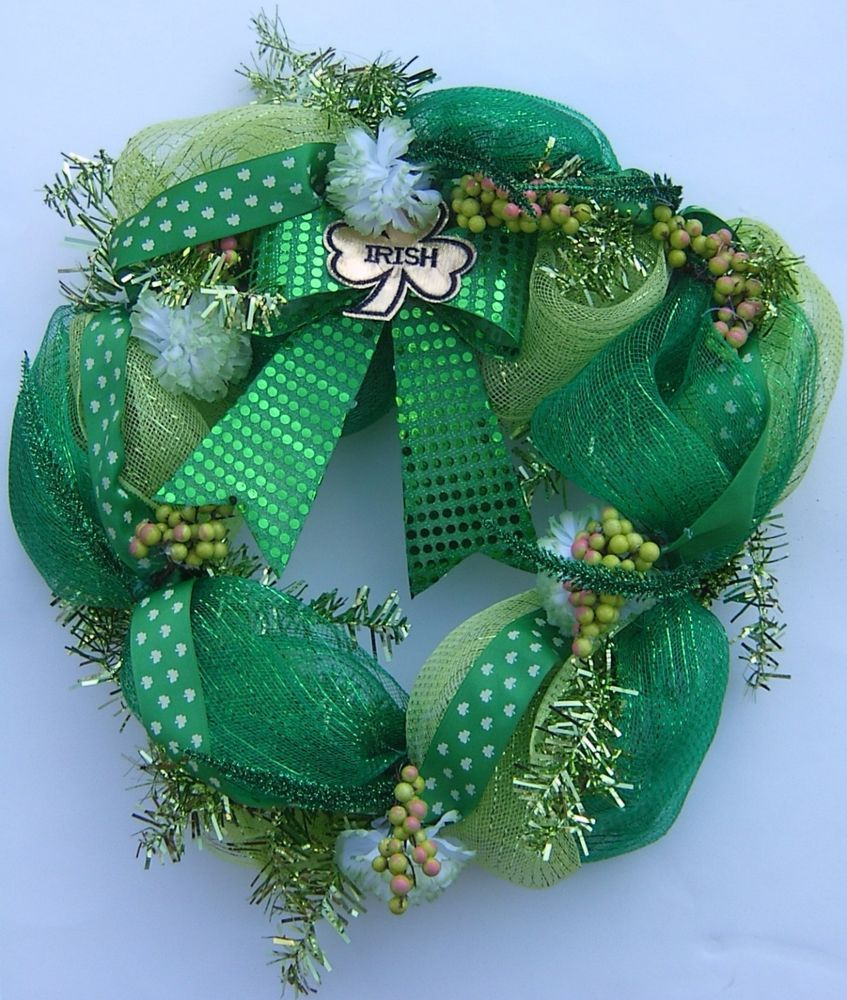 StPatricksDay #Wreath Deco Mesh #Shamrock #Carnations Shades of ...