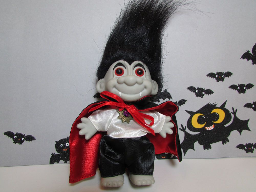 "HALLOWEEN DRACULA/VAMPIRE  - 5"" Russ Troll Doll - NEW IN ORIGINAL WRAPPER"