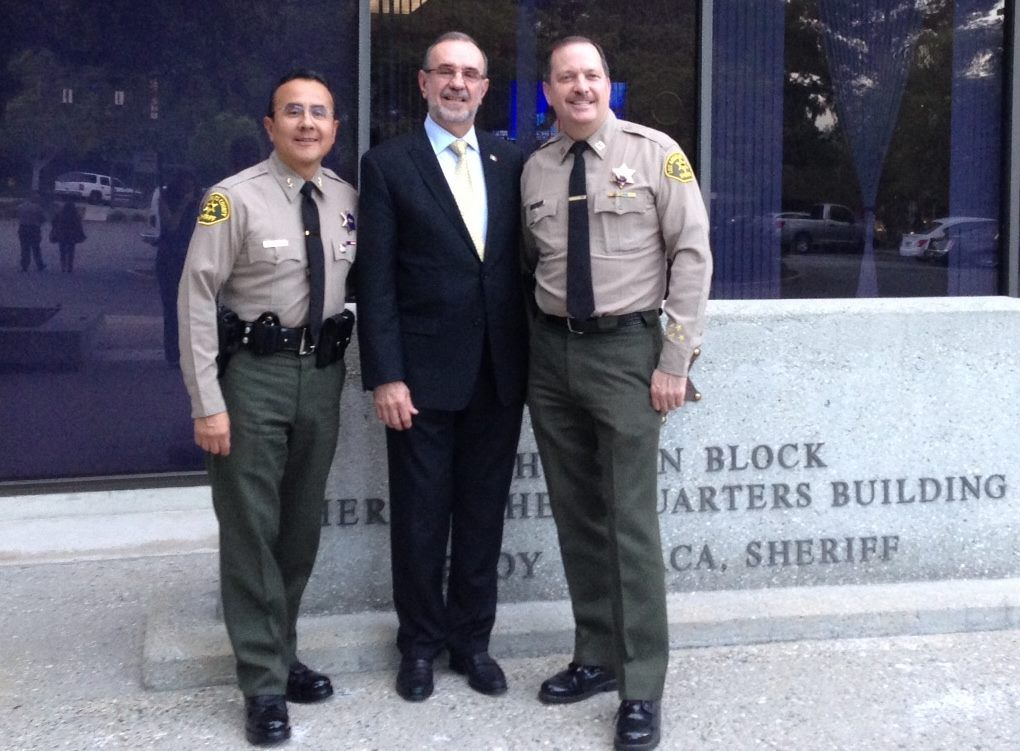 Chief Jim Lopez Consul General Of Mexico In L A Carlos M Sada And Captain Mike Parker In Front Of Los Angeles County Sher Pantsuit Los Angeles County Pants