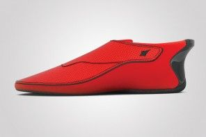 Smartphone-connected smart shoes Lechal will give you haptic feedback to drive better
