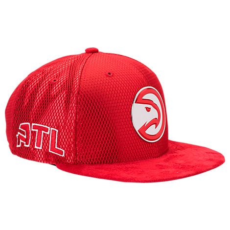 pretty nice a1cf7 ee72f NEW ERA NEW ERA ATLANTA HAWKS NBA 2017 DRAFT OFFICIAL ON COURT COLLECTION  9FIFTY SNAPBACK HAT, RED.  newera