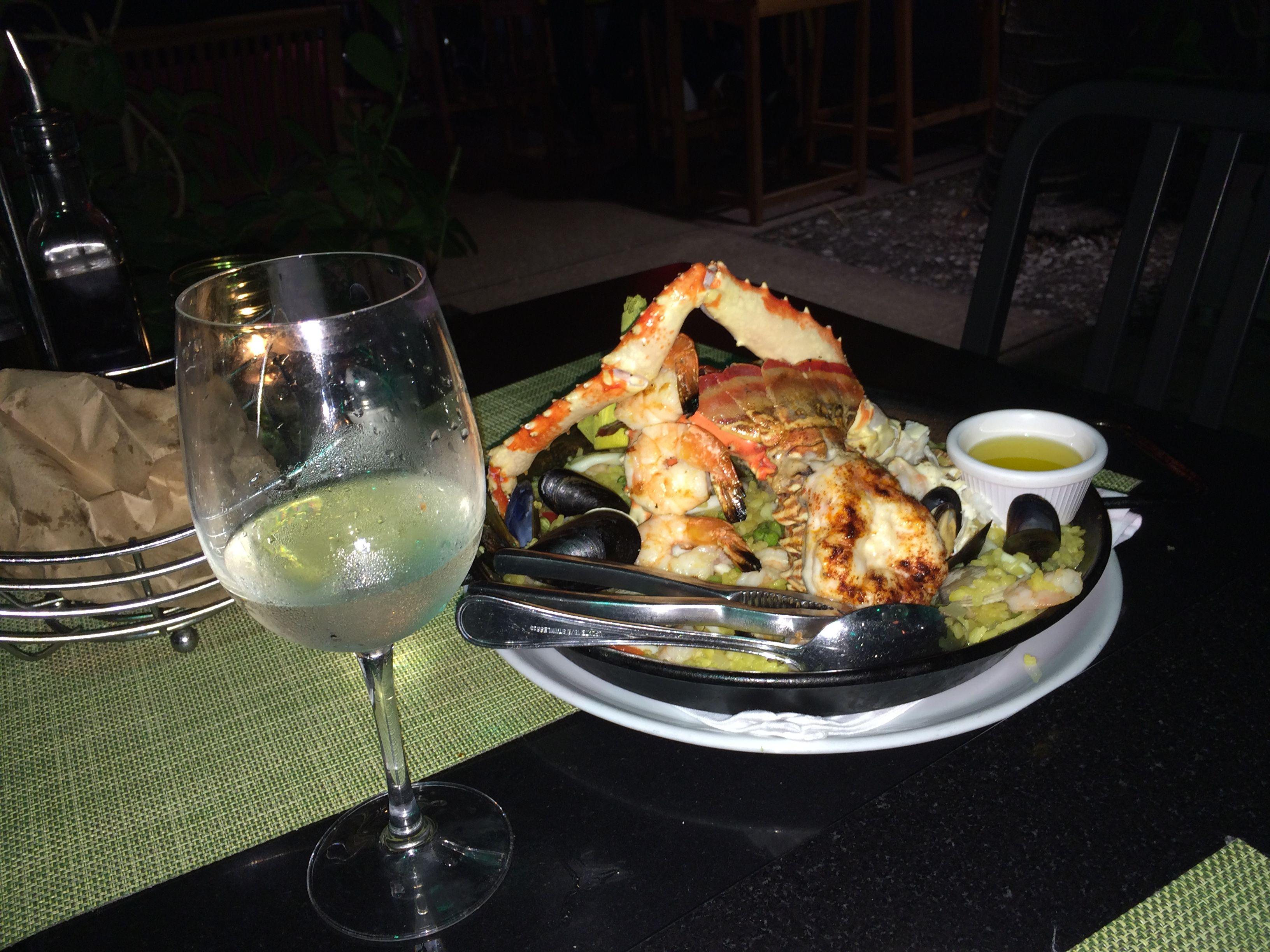 Paella De Mariscos En El Exclusivo South Beach