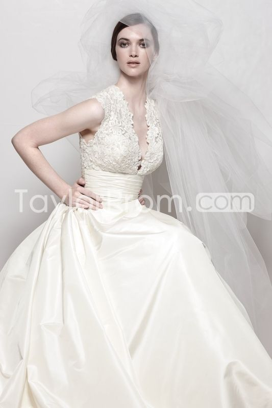 Sumptuous A-line Capped-Sleeve V-neck Floor-length Watteau Wedding Dresses