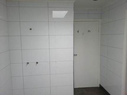 Premium quality rectified white gloss wall tiles 300x600 for Bathroom tiles vertical or horizontal