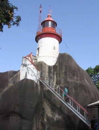 Phare de l'Île Tamara, Guinea