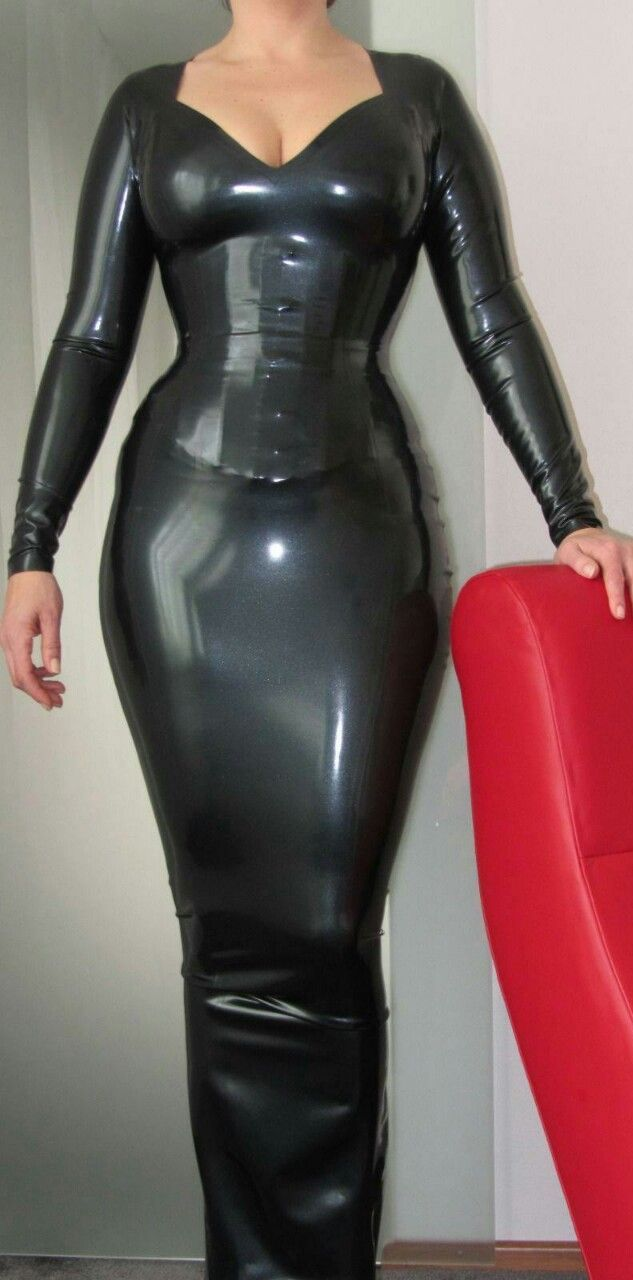 097ad1104 Beautiful tight rubber ankle dress | hobble skirts | Latex, Anziehen ...