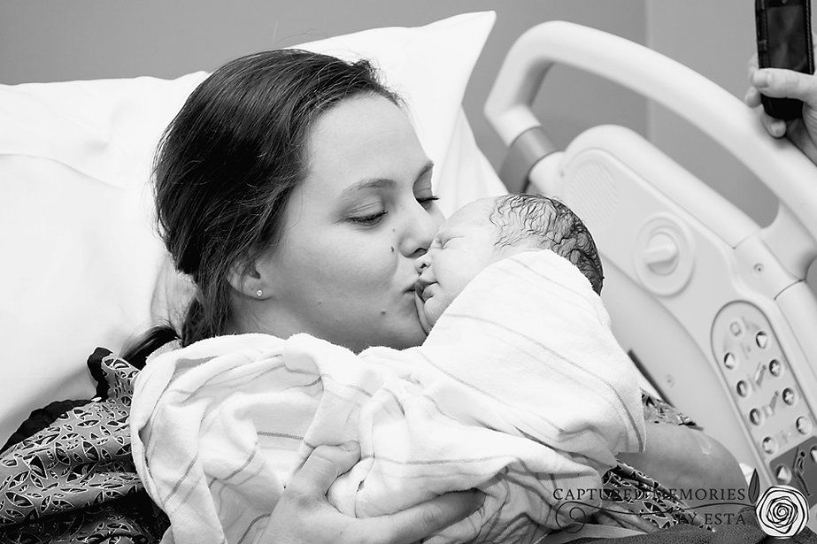 Captured Memories by Esta Eberhardt Photography | BIRTHING birth SESSIONS Mother and newborn baby