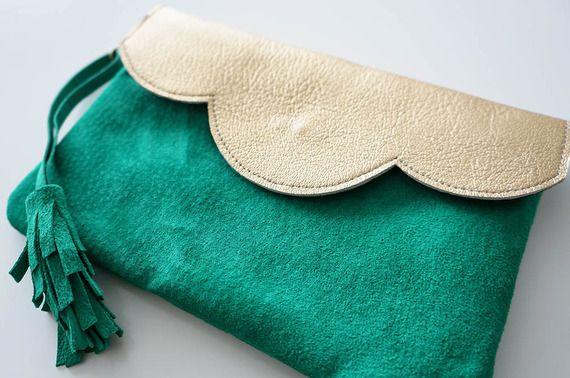 Pochette Mini Mila En Cuir Bicolore Or Et Vert Avec Ou Sans Chaine Sacs A Main Par Lyria M Couture Sac Diy Couture Diy Bag