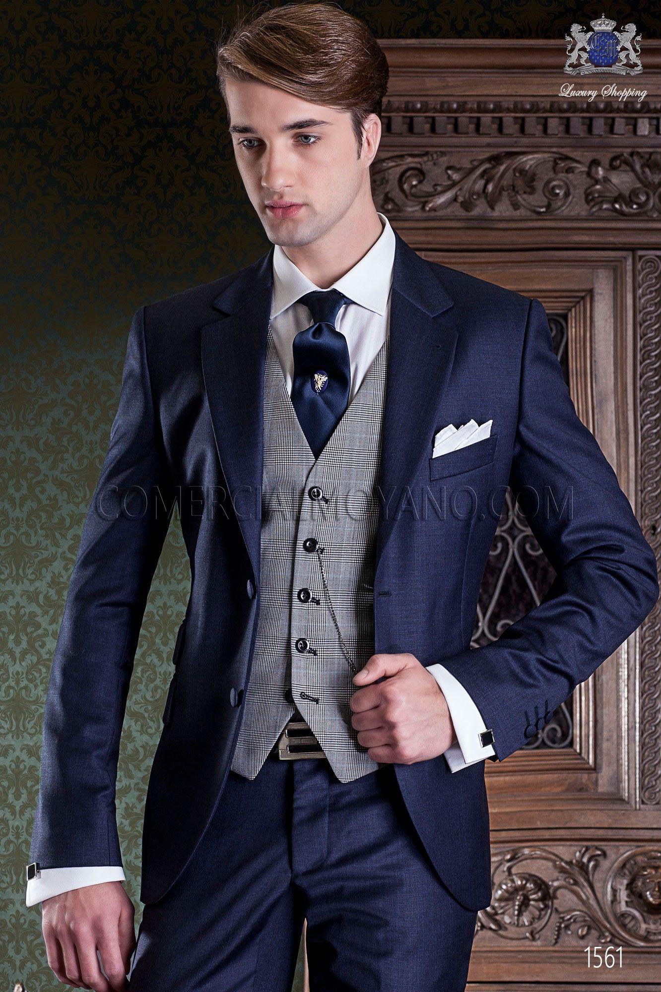9fc7c80630 Traje de novio italiano azul marino. Traje de sastrería con 2 botones y  exclusivo corte italiano. Traje elegante colección gentleman 1561 Ottavio  Nuccio ...