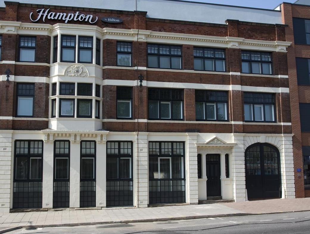 Birmingham Hampton Inn Birmingham City North United Kingdom Europe Ideally Located In The Prime Touristic Area Birmingham City Birmingham Hotel The Hamptons
