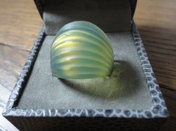 Lalique vintage Nerita ring in green, 1990s | Collectors Weekly