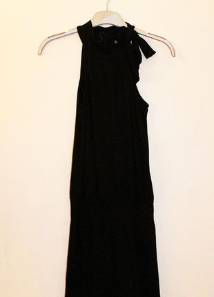 A vendre sur #vintedfrance ! http://www.vinted.fr/mode-femmes/petites-robes-noires/19972254-petite-robe-noire-courte-ca