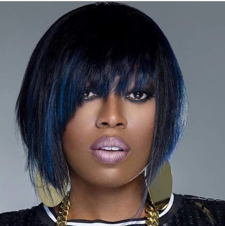 Missy Elliot with her blue hair
