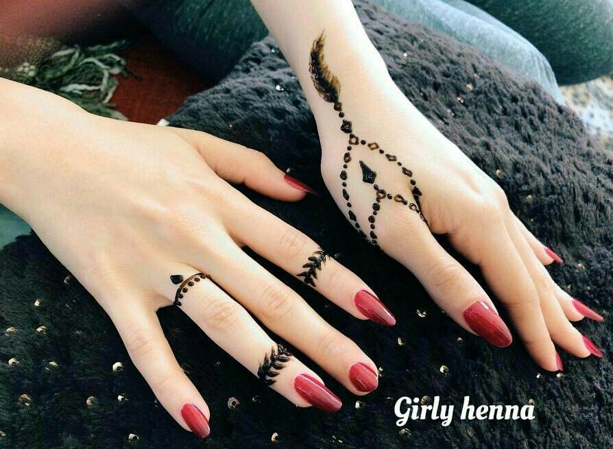 Henna Mehndi Nail Art : Minimalistdesign henna nail art and hennas