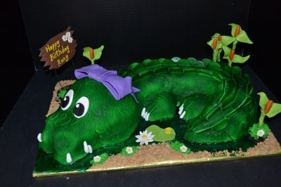 Crocodile Cake w/ Bow By drb7618 on CakeCentral.com