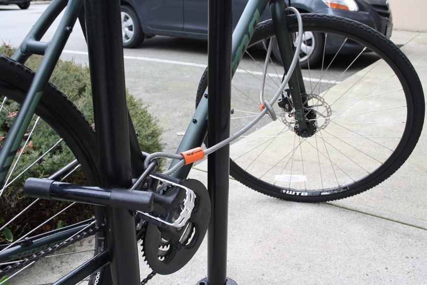 How To Lock A Bike Bike Parking Bike Lock