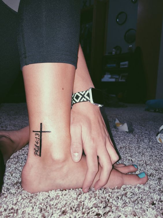 40 Small Elegant Ankle Tattoos For Women To Be Inspired In 2020 With Images Ankle Tattoos For Women Tattoos Verse Tattoos