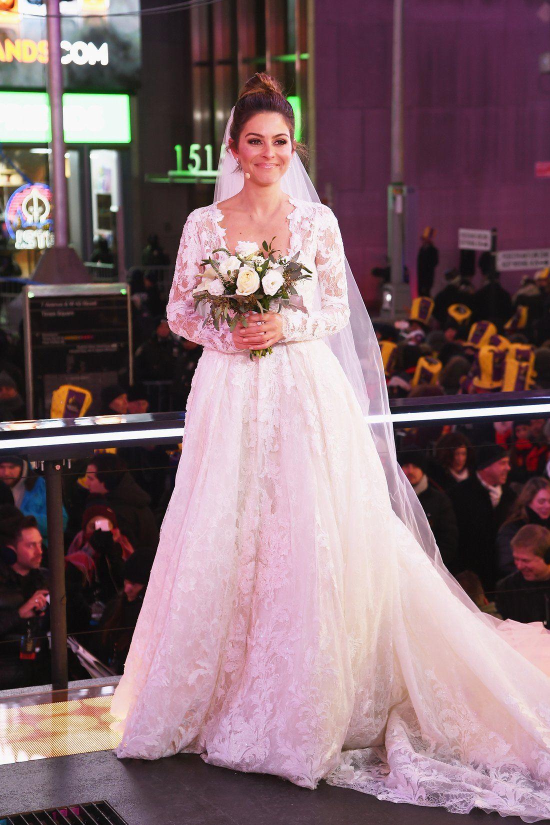 Maria Menounos On Her New Year S Eve Wedding Dress It Took My Breath Away Wedding Dresses Pronovias Wedding Dress New Years Eve Weddings