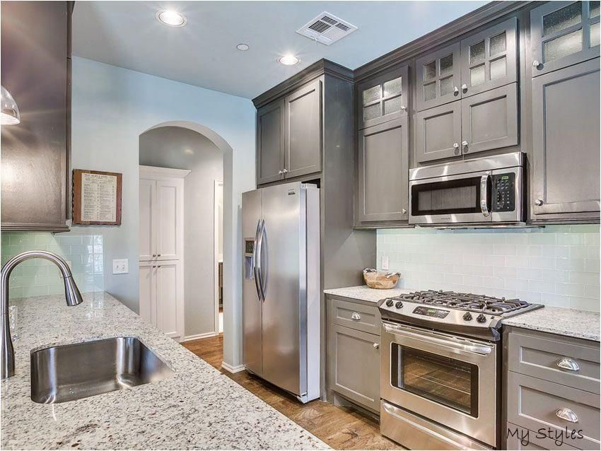 Jan 22 2017 Welcome To Our Gallery Of Small Galley Kitchens Small Gallery Kitchen Layout Gallery Kitchen Layout Small Galley Kitchens Galley Kitchen Design