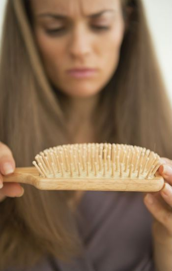 Te desvelamos los poderes ocultos de los ingredientes del aceite: te crecerá más el pelo, acabarás con la caspa y con los picores.