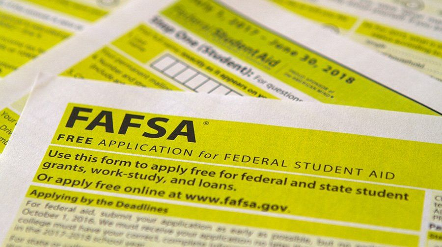 Are the Right Students Applying for Federal College Aid? parent