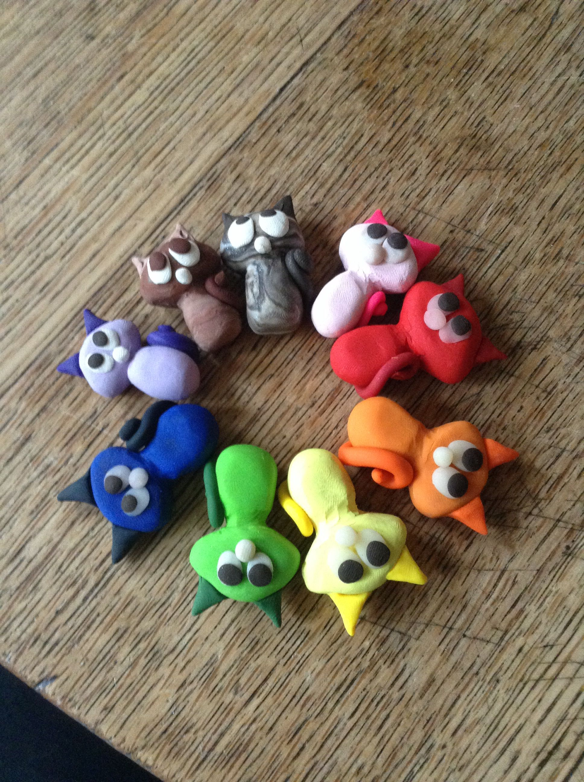 These Are Some Cute Clay Cats There A Great Idea For Making Out