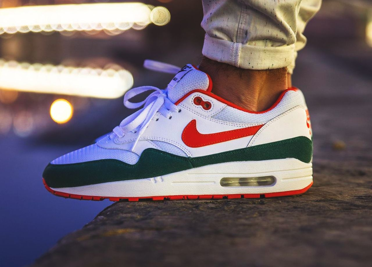 reputable site 22a7f 7a581 Nike ID Air Max 1 (by vieilleecole) – Sweetsoles – Sneakers, kicks and  trainers. On feet.