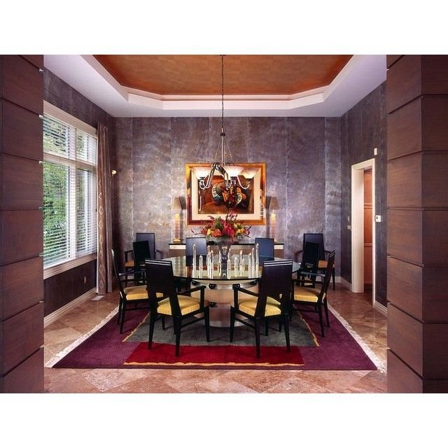 Dark color that combined with shining decorations always perfect for formal banquet! #interior #interiordesign #desaininterior #ruangmakan #desainruangmakan #diningroom #diningroomdesign #banquet #formalbanquet #chandelier